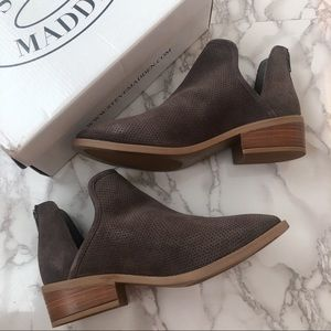 NWT Steve Madden Suede Cutout Booties Size 9